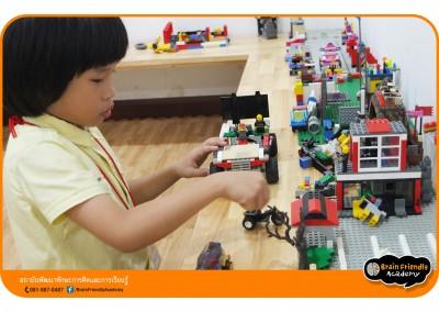 10-lego-creativitylab